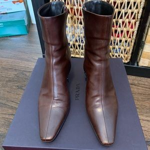 Pair of brown, size 8 Prada boots